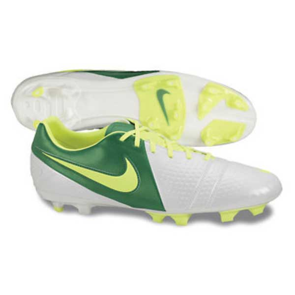 7a7772eacc030 Buy Nike CTR360 Libretto III Football Shoes Online India